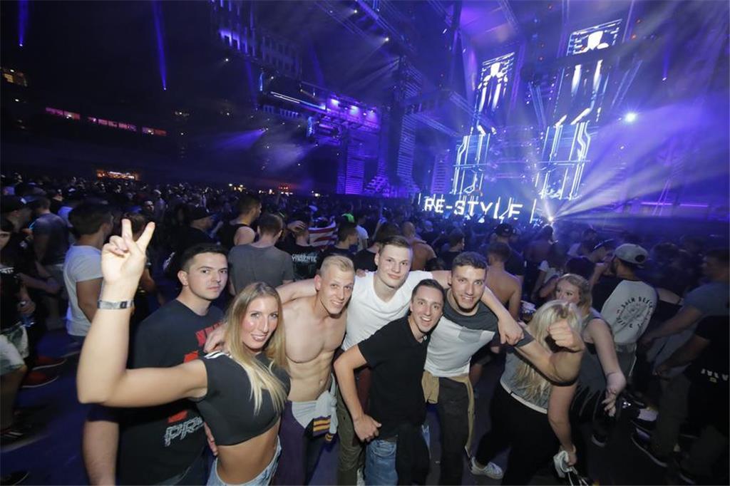 Syndicate Festival Zog 18000 Menschen Nach Dortmund