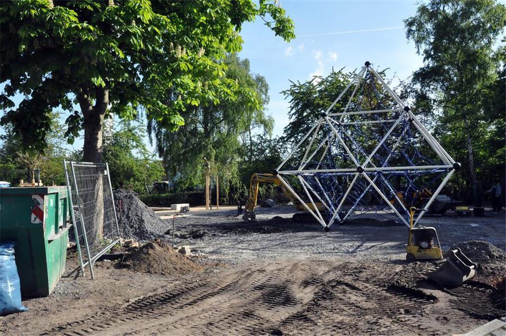 Klettergerüst Pyramide : Neuer spielplatz in lünen ist für jung und alt