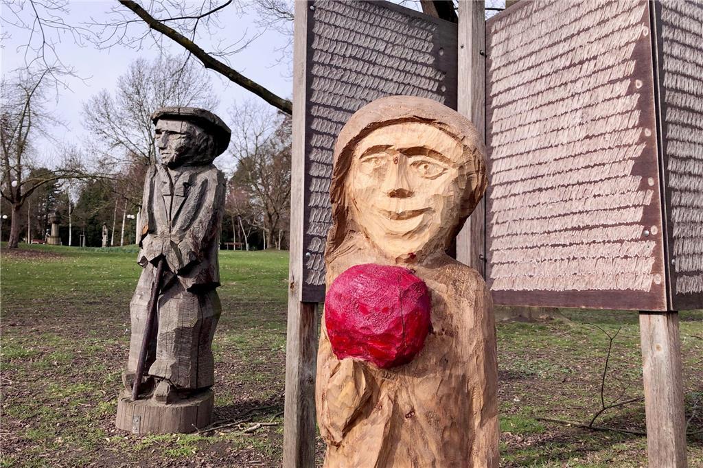 Hölzernes Kunstwerk Im Rodenbergpark Ist Nach Mutwilliger Zerstörung