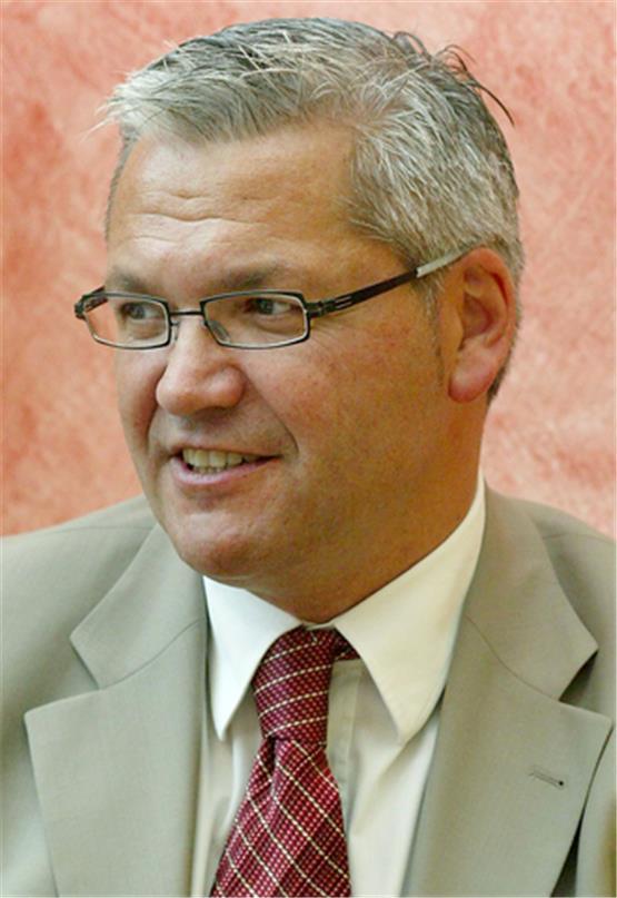 aef0b5de2786b1 Luxus-Dienstreise  Bundestagsabgeordneter Hüppe weist Vorwürfe zurück